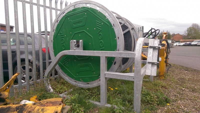 Umbilical slurry reel